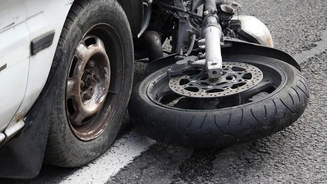 Motorkerékpárossal ütközött egy gépkocsi Budapest XVI. kerületében