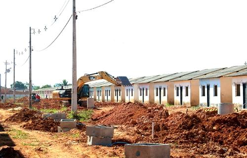 Construção de casas populares pela Prefeitura de Porto Velho segue em ritmo acelerado