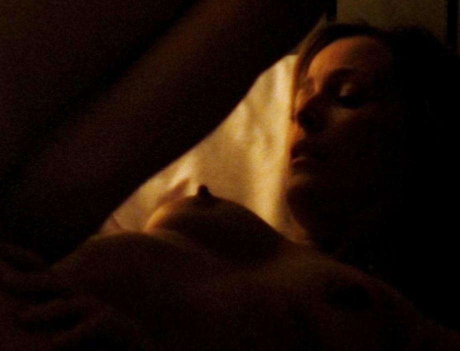 джиллиан андерсон сцена секса из фильма материала