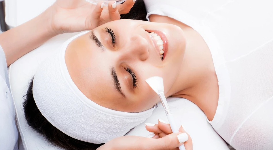 Which chemical peel is better: choose with a beautician