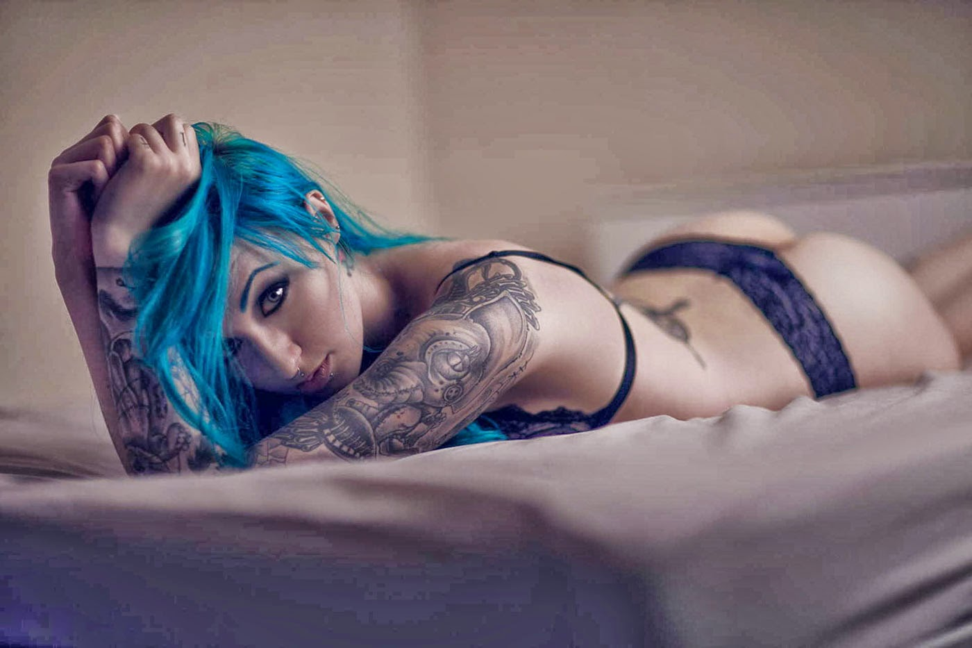 Bold Arm Tattoo Girl Wallpaper