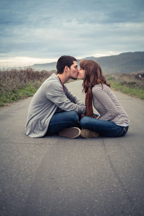 Most Passionate Hot, Sexy Zodiac Lovers, Hopeless Romantic Zodiac Signs That Fall In Love Easily