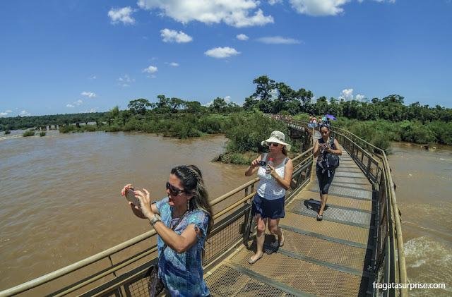 Passarela da Garganta do Diabo, no lado argentino das Cataratas do Iguaçu