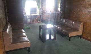 Tempat santai dan televisi lantai 2