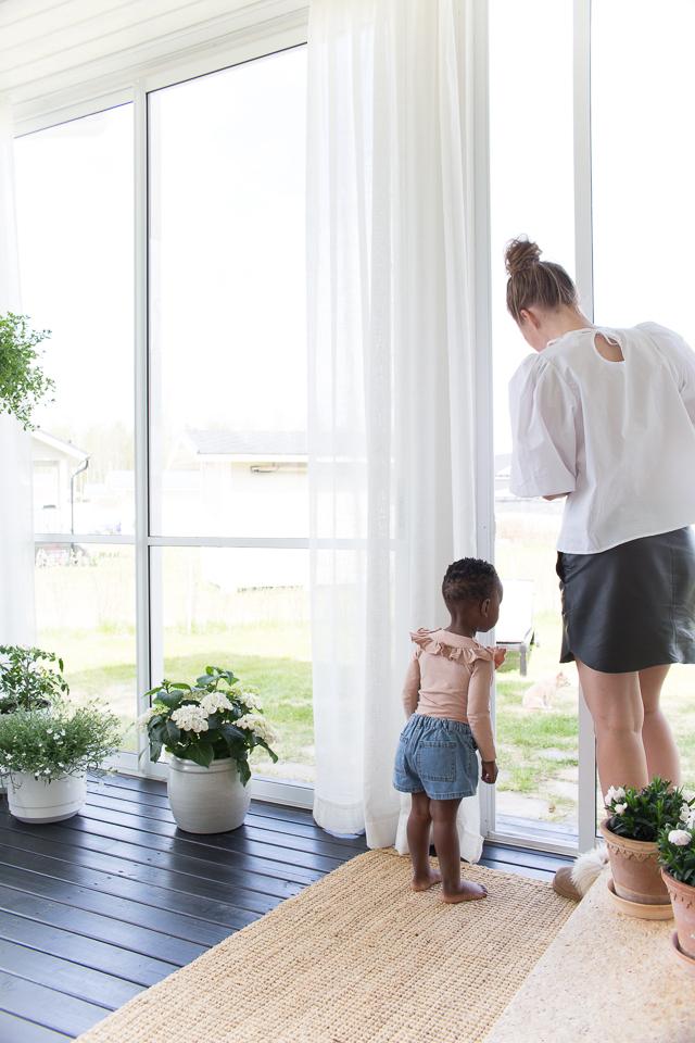 Villa H, lapset, perhe, terassi, terassin sisustus