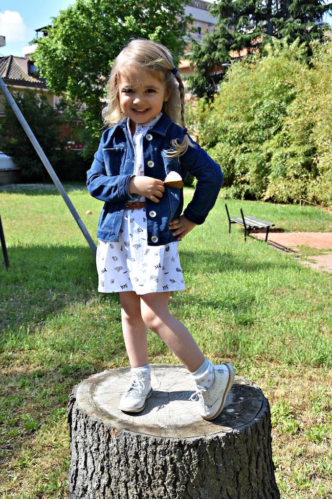 Moda bambini: un vestitino estivo con le conchiglie