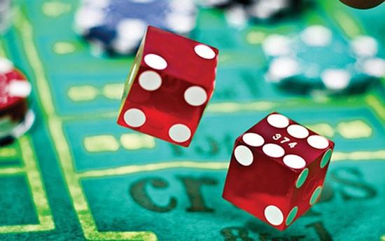game đổ xúc xắc trực tuyến hay chơi trực tiếp tại casino đều rất náo nhiệt và hào hứng