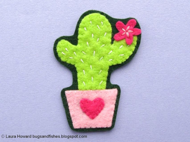 Felt Cactus Brooch Tutorial: cut out the brooch