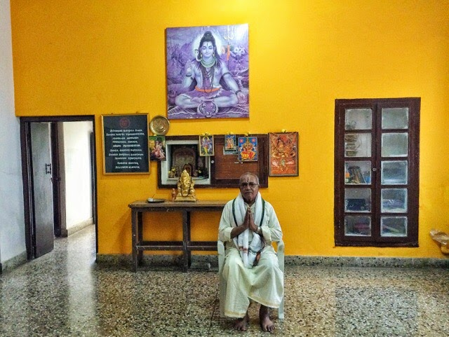 BNS Iyengar in his shala