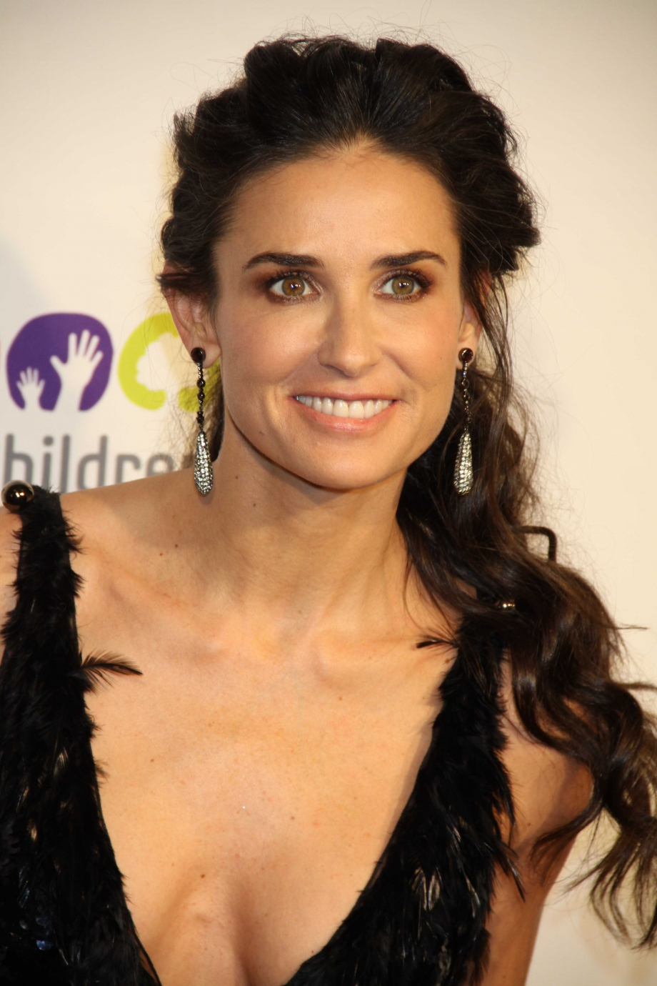 Young Cleavage Demi Moore  nudes (16 images), YouTube, cleavage