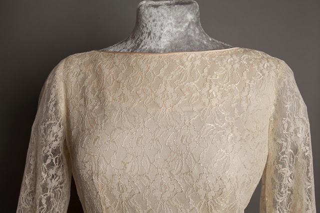 Detail Of Boat Neck A Guide To Vintage Lace Wedding Dresses C Heavenly