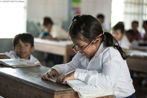 Unos 123 millones de niños no van a la escuela, según Unicef