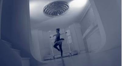 Bailarina de ballet desnuda follando