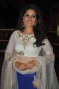 isha talwar latest glam pics-thumbnail-3