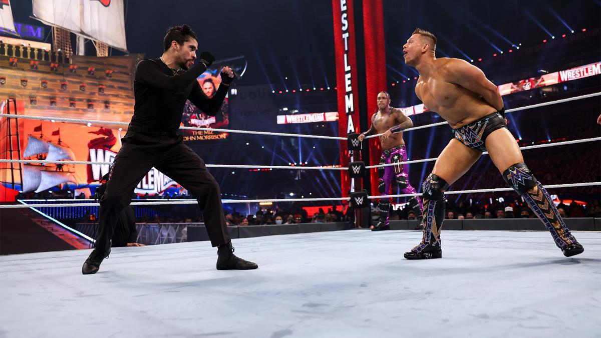The Undertaker afirma que Bad Bunny orgulhou todo mundo com performance na WrestleMania 37