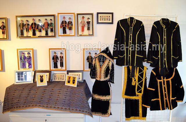 Badeeh Souvenir Shop at Chanteek Gallery