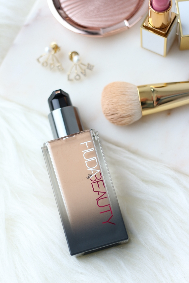 Huda Beauty Faux Filter Luminous Matte foundation