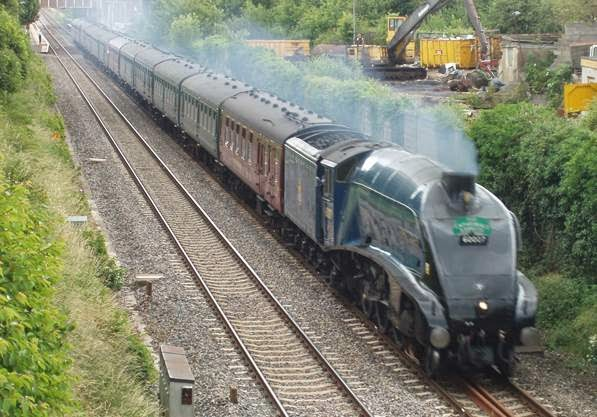 Vince's World: Ever wondered why Continuous Welded Rail