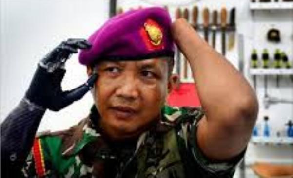Siswadi, Seorang TNI AL Pemakai Tangan Bionic Pertama di Indonesia