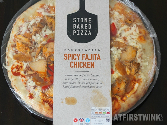 Marks and Spencer (M&S) Spicy Fajita chicken Stone Baked Pizza