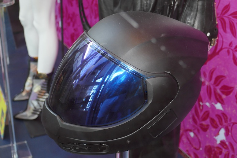 Huntress motorcycle helmet Birds of Prey