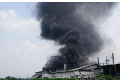 Pabrik Tepung Di Mojokerto ,Terbakar DIduga Karena Mesin Oven Meledak