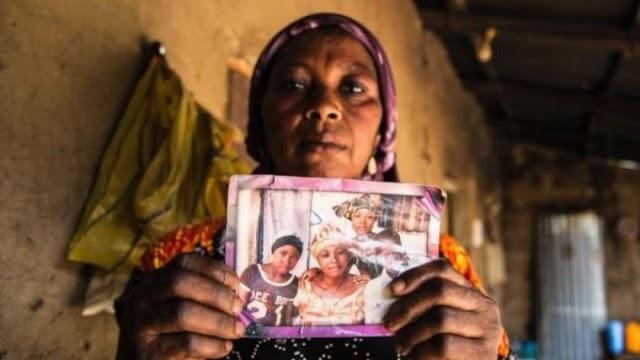 Após o sequestro de 279 alunas em escola, os pais de Leah Sharibu pressiona o presidente nigeriano.