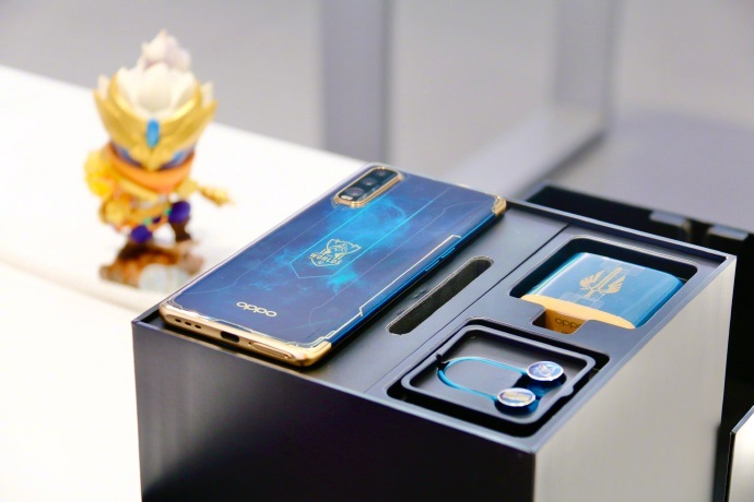 Oppo Find X2 League of Legends Accessories Earbuds Charger
