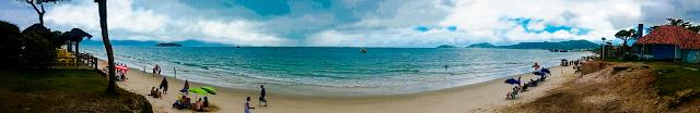Foto panorâmica da praia