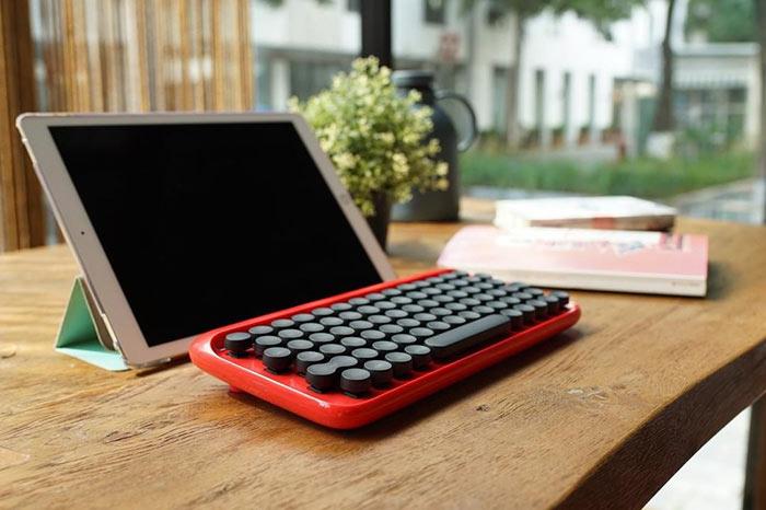 Este teclado mecánico se siente como una máquina de escribir del pasado