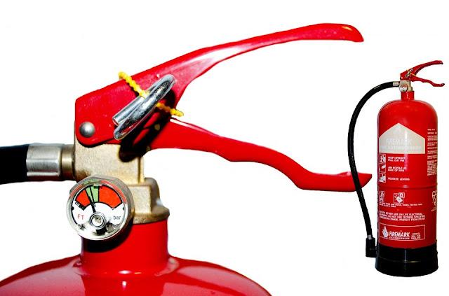 estintore a polvere-antincendio-casa-estintore