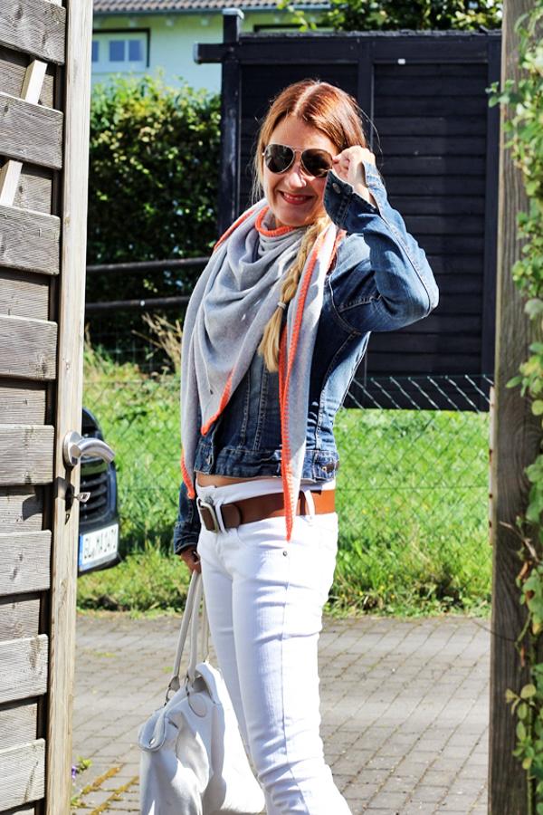Fashion im Herbst 2016 Accessoire Dreieckstuch  grau orange