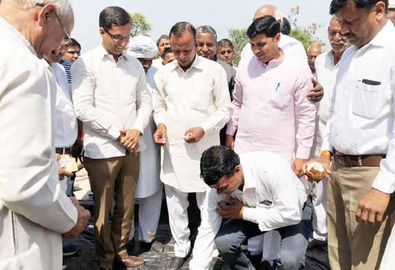 Senior Deputy Mayor Devendra Chaudhary, crores of rupees 10 crore in the village of Bhuapur, MLA Lalit Nagar