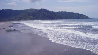 Wisata Pantai Jolosutro