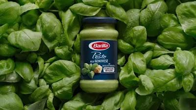 Fesleğenli Pesto Genovese Makarna Sosu ile Penne Makarna Hazırlamak