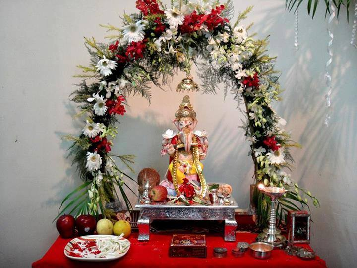 Ganesha hd new wallpapers free download image wallpapers for Background decoration for ganesh festival