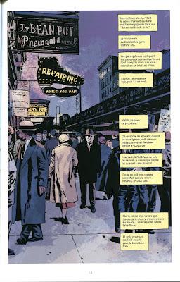 plein page, vision d'une rue sombre ou notre héros marche au milieu de la foule