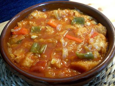 Sopa de tomate extremeña, con verduras y pan
