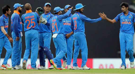 श्रीलंकाने दुसरे एकदिवसीय मैच में भारत के सामने रखा 237 रनो का लक्ष्य
