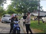 Semangat Kebersamaan,  TNI-POLRI Bagi-bagi Takjil Ramadhan