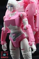 Transformers Kingdom Arcee 09