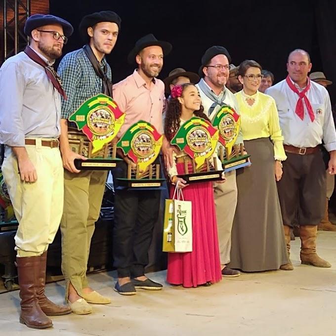 """A música """"O primeiro romance"""", foi a grande vencedora do 12º Cante uma Canção em Vacaria"""