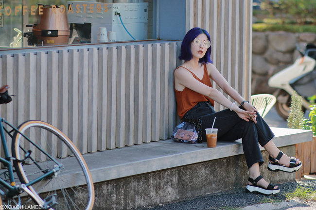 Japanese Fashion Blogger,MizuhoK,20190824OOTD, Rakuten=knit cami, GU=black jeans, ZARA=sporty sandals, big round glasses, and more