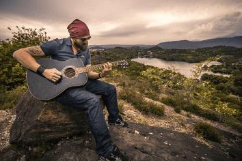 Chord Kunci Gitar Lagu Dino dari Peank