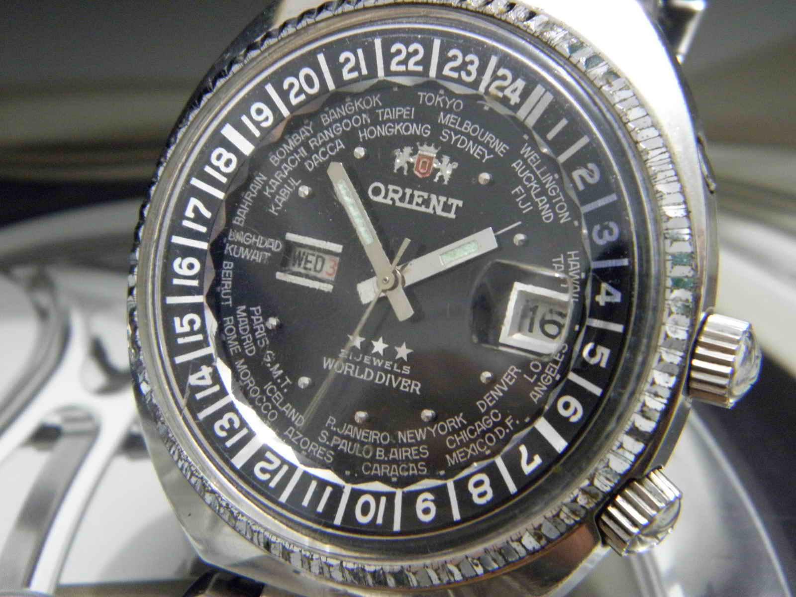 Orient worlddiver automatic Movement automatic 21 jewels japan made Dia 46 mm w c Dial hitam masih mulus kombinasi tulisan dan index silver nikel