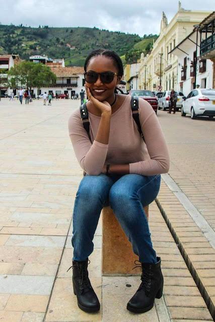 girl sitting in Pamplona