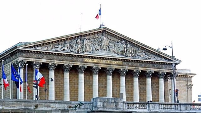 نظام الحكم فى فرنسا - التشريع و الرئيس والبرلمان