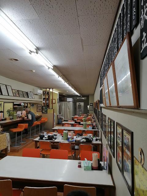 長崎水産食堂店内