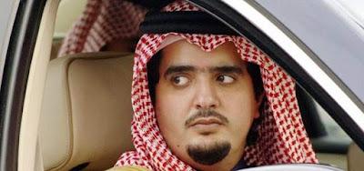 بالفيديو : أمير سعودي يتفقد عائلة فقيرة بالمملكة