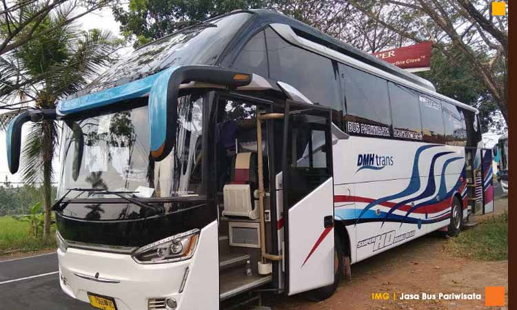 Sewa bis pariwisata untuk kenyamanan wisata anda